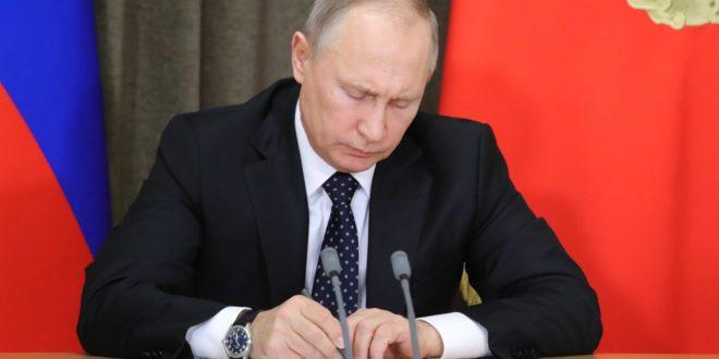 بوتين يوقع تشريع انسحاب روسيا من اتفاقية السماوات المفتوحة مع أمريكا