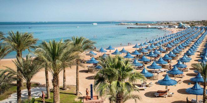 آخر فوج سياحي يغادر البحر الأحمر الأربعاء المقبل