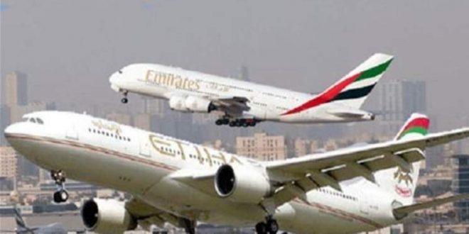 """طيران الإمارات و""""الاتحاد"""" تطلبان من أطقم الضيافة الحصول على إجازات دون أجر"""
