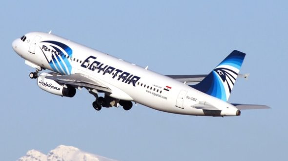 مصر للطيران تسير رحلة استثنائية لإعادة المصريين العالقين فى لندن