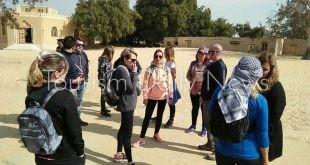 وفدان سياحيان من إيطاليا والأرجنتين يزوران المعالم الأثرية بالمنيا