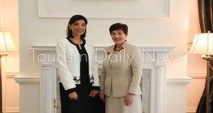 سفيرة مصر بنيوزيلندا تبحث سبل التعاون السياحى مع رئيس العلاقات الخارجية