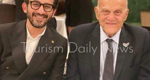 أحمد حلمي ينشر صوره مع العالمى مجدي يعقوب في صناع الأمل