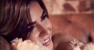 رانيا منصور زوجة أحمد فهمي .. تشارك هيفاء وهبي في أسود فاتح