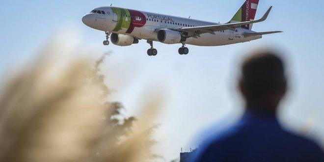 بعد اتهامها بنقل متفجرات.. فنزويلا تعلق رحلات تاب البرتغالية 90 يوماً
