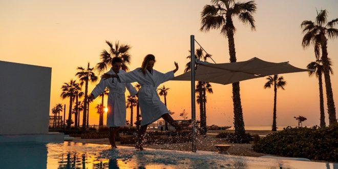 عروض الشباب الدائم احتفاءً بيوم الحب في منتجع وسبا نيكي بيتش دبي