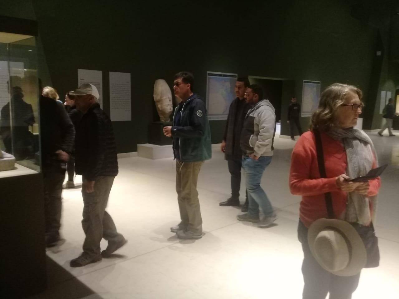 وفود سياحية تزور متحفى رشيد سوهاج