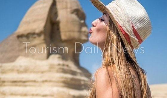 قبلات أبو الهول المثيرة فى عيد الحب تزيد الطلب على السياحة الثقافية