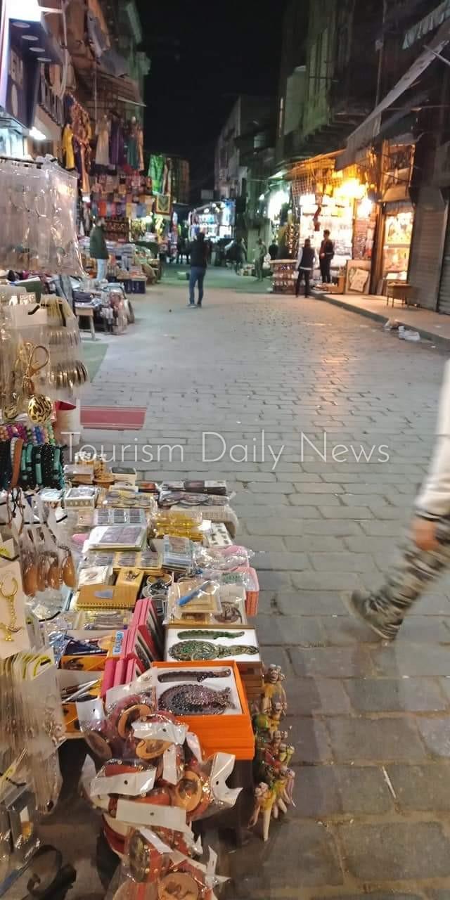 كورونا تقسو على خان الخليلى .. وأصحاب البازارات فى أزمة .. بالصور
