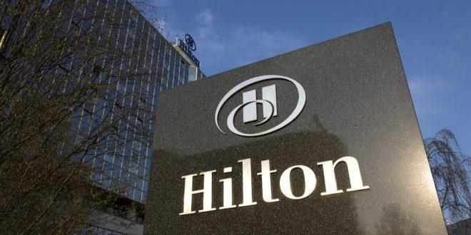 """""""دبي للسياحة"""" توقع اتفاقية تعاون مع فنادق هيلتون العالمية"""
