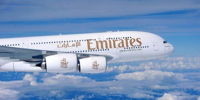 """""""طيران الإمارات"""" تبدأ محادثات مع 13 شركة لنقل لقاحات كورونا إلى 130 دولة"""
