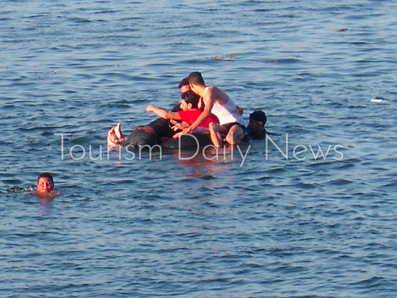 الإحتفال بالعيد في نهر النيل رغم التحذيرات