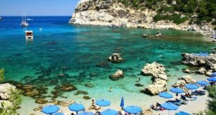 الشواطئ اليونانية تتأهب لعودة السياحة وقضاء العطلات بعد كورونا مختلف
