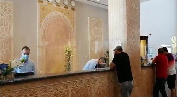 المصريون يتوافدون على فنادق ومنتجعات البحر الأحمر فى ثالث أيام العيد