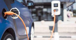 توقعات بارتفاع مبيعات السيارات الكهربائية في العام 2021