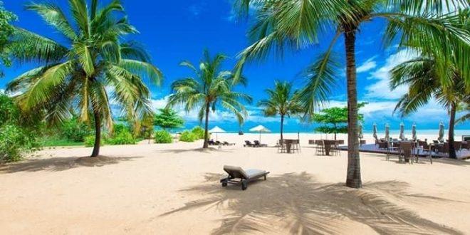 جزيرة بالي الإندونسية تخطط لاستئناف السياحة في أكتوبر القادم