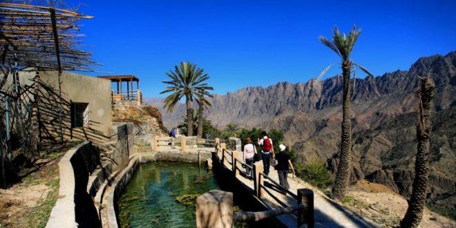 السياحة العمانية تجمع الشركات لبحث الخروج من الأزمة الراهنة وعودة الرحلات