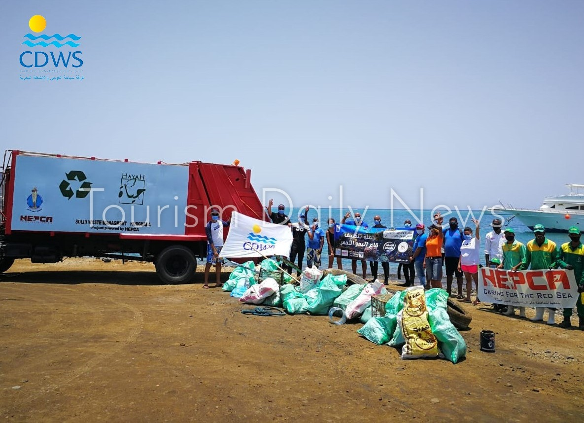 غرفة الغوص ترفع 40 طن مخلفات خلال حملات لتنظيف قاع البحر الأحمر فى شهر