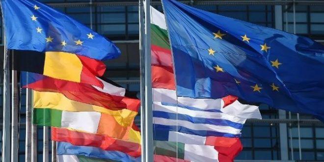 """أوروبا تدعو لاتفاق عاجل على قيود سفر """"منسقة"""" لوقف نزيف الاقتصاد"""