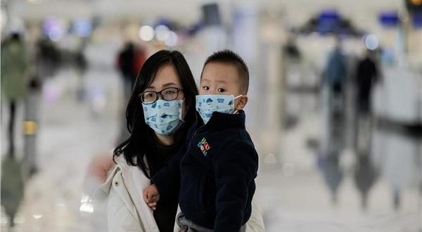الصين تلغى 412 رحلة جوية بعد تسجيل 61 حالة إصابة جديدة بفيروس كورونا