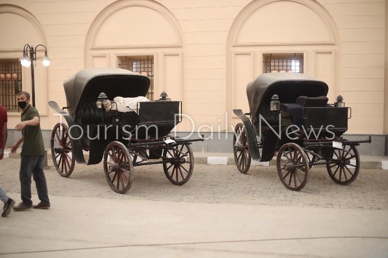 العناني يتفقد متحف المركبات الملكية ببولاق
