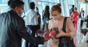 الغردقة وشرم الشيخ تستقبلان 3 رحلات طيران سويسرية وأوكرانية تقل 594 سائحاً