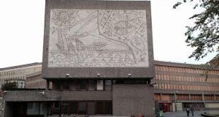 جداريتان لبابلو بيكاسو من مبنى يهدم في أوسلو