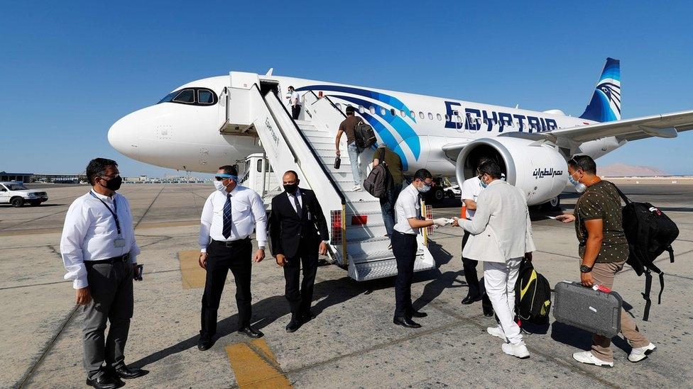 بي بي سي .. مصر تسعى لإنعاش السياحة والخروج من أزمة كورونا بأقل الأضرار3