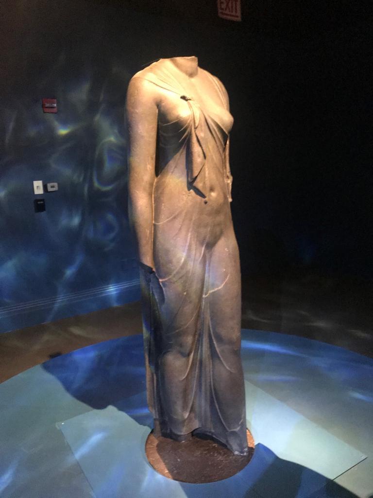 معرض المدن الغارقة عالم مصر الساحر يواصل أعماله بمتحف فيرجينيا للفن