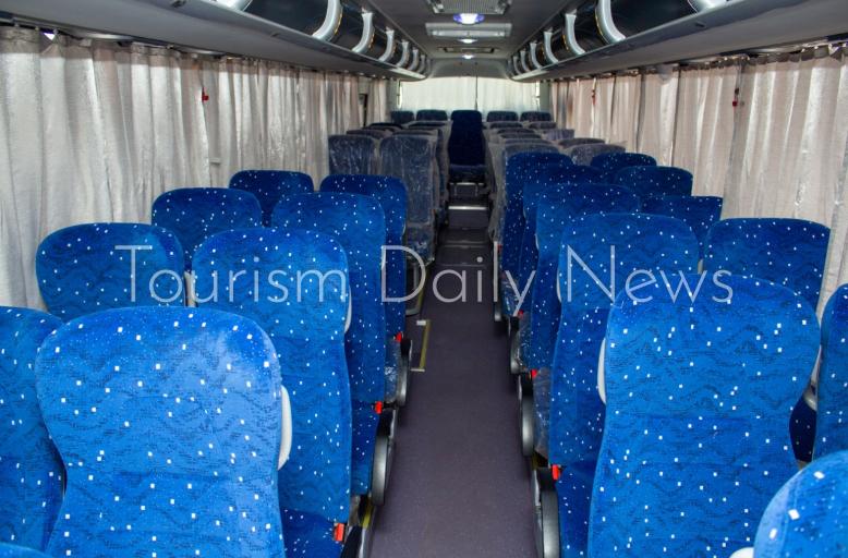 وزير قطاع الأعمال يتابع عودة شركات نقل الركاب السياحية للعمل وخطط التطوير