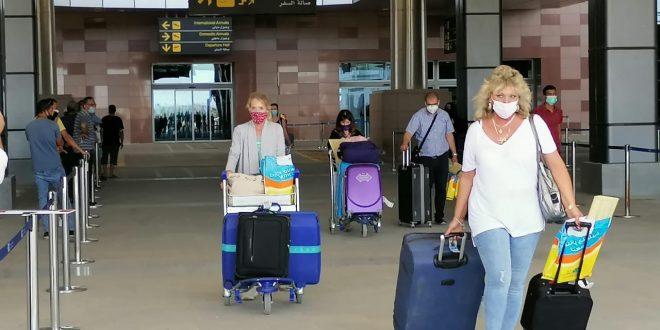 الغردقة تستقبل طائرتين من أوكرانيا وبيلاروسيا علي متنهما 271 سائحاً