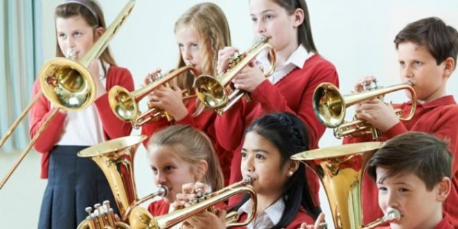أستراليا تمنع الأطفال من العزف على آلة الريكوردر بسبب كورونا