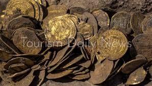 اكتشاف كنز من العملات الذهبية يعود عمره إلى 1000 عام في إسرائيل