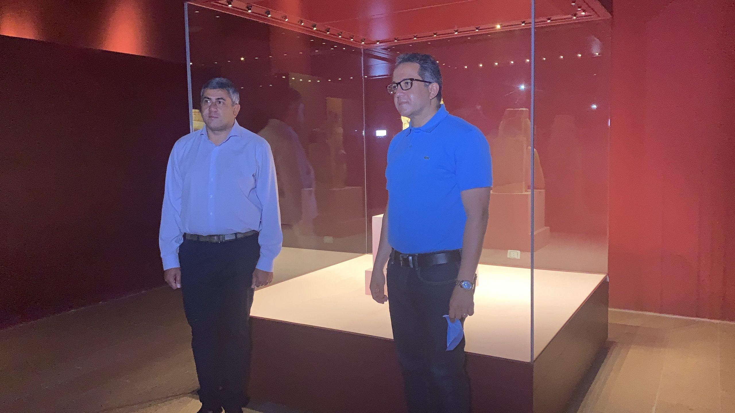 العناني والأمين العام لمنظمة السياحة العالمية يتفقدان متحف الغردقة .. صور