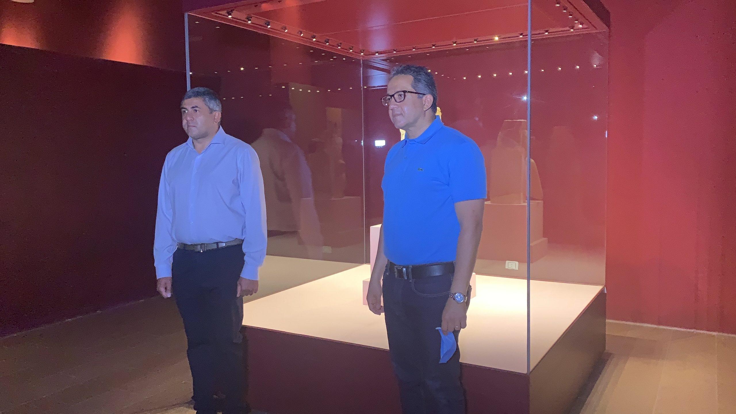 العناني والأمين العام لمنظمة السياحة العالمية يتفقدان متحف الغردقة .. صور1