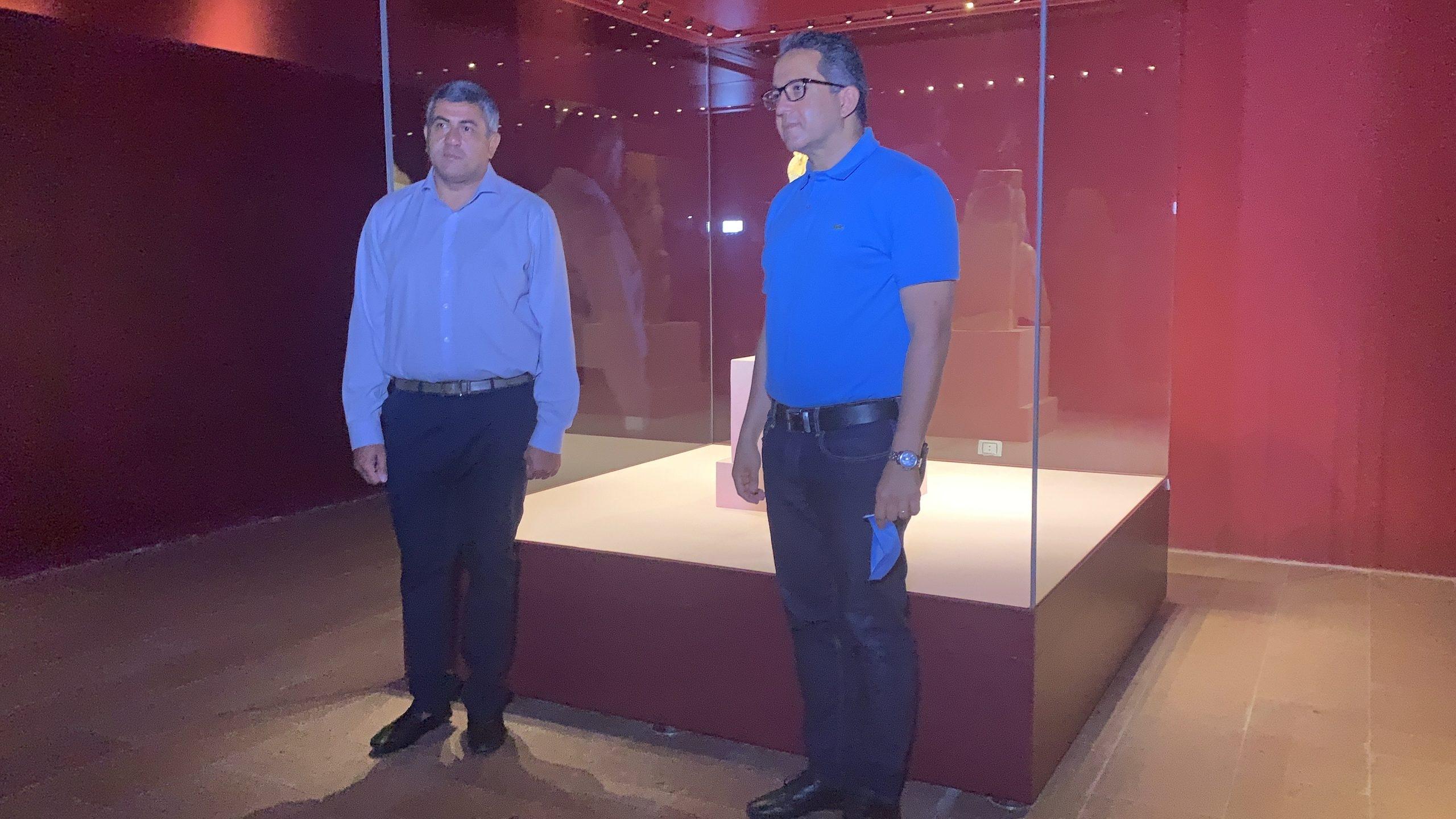 العناني والأمين العام لمنظمة السياحة العالمية يتفقدان متحف الغردقة .. صور2