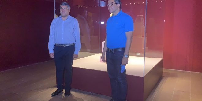 العناني والأمين العام لمنظمة السياحة العالمية يتفقدان متحف الغردقة .. صور3