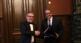 العناني يلتقي وزير الثقافة التشيكي لبحث تعزيز سبل التعاون بين البلدين