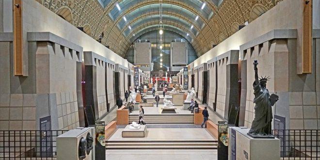 الفرنسيون يعيدون إكتشاف متحف أورساي في ظل غياب السياح الأجانب