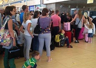 بولندا تعيد رحلات الطيران لمصر وتضع 44 دولة بالقائمة السوداء بينها 6 عربية