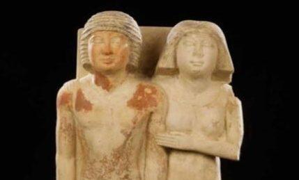 متحف عاصمة التشيك القومي يستقبل القطع الآثرية المشاركة بمعرض ملوك الشمس22