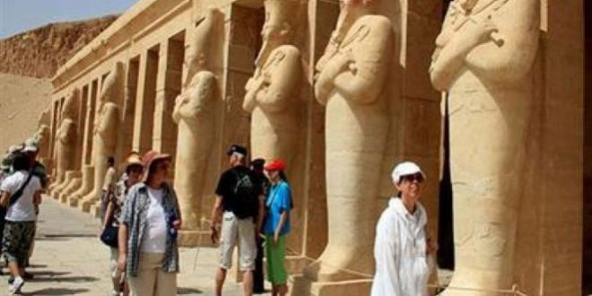 نواب يطالبون الحكومة بإصدار قرار عاجل بعودة السياحة للأقصر وأسوان