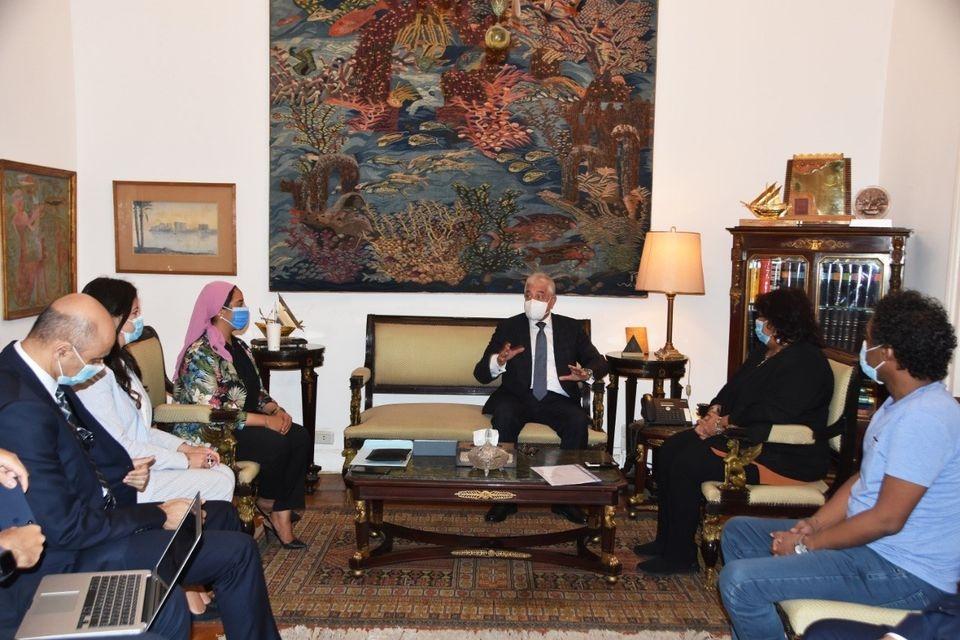 عبدالدايم تبحث مع محافظ جنوب سيناء خطة تطوير قصر الثقافة في الطور
