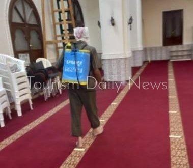 الأوقاف تواصل تعقيم المساجد استعداداً لعودة صلاة الجمعة