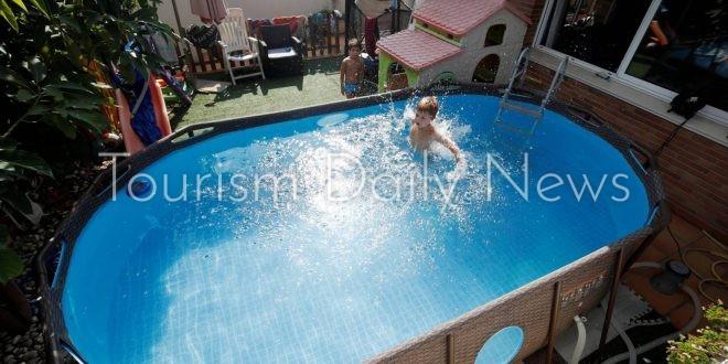كورونا ينعش مبيعات أحواض السباحة المنزلية فى أوروبا والولايات المتحدة