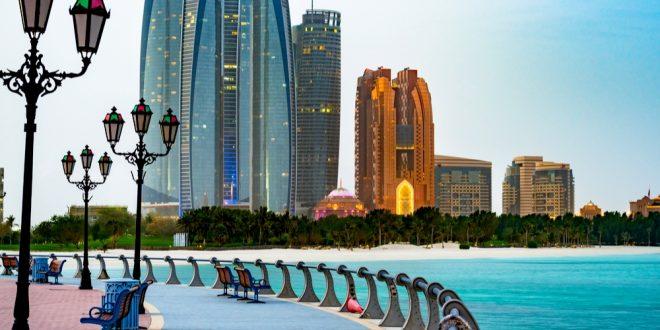 أبوظبي تلزم المسافرين الدوليين القادمين للإمارة الإفصاح عن تاريخ الدخول