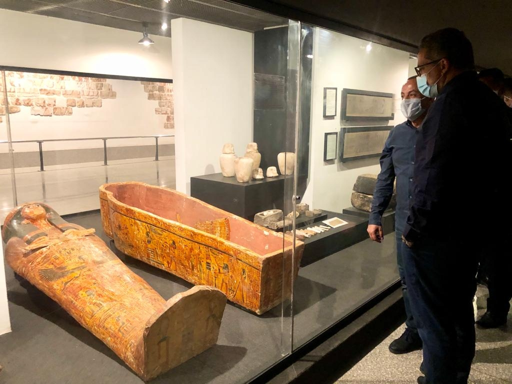 العناني يتفقد قطع آثار متحف الأقصر المنقولة منتونة الجبل والمتحف المصري44