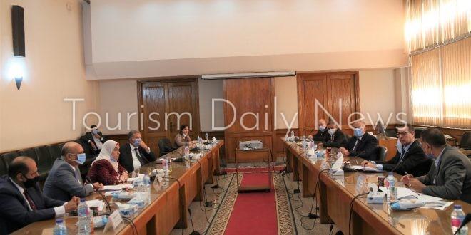 وزيرا قطاع الأعمال والري يبحثان إقامة مشروع سياحي على جزيرة آمون