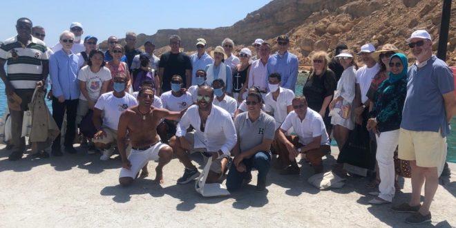 العناني وياسمين فؤاد و30 سفيرا يحتفلون بيوم السياحة العالمي برحلة بحرية