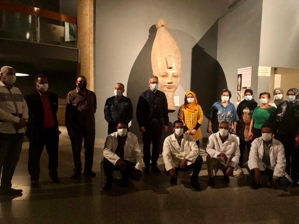 العناني يتفقد قطع آثار متحف الأقصر المنقولة منتونة الجبل والمتحف المصري2
